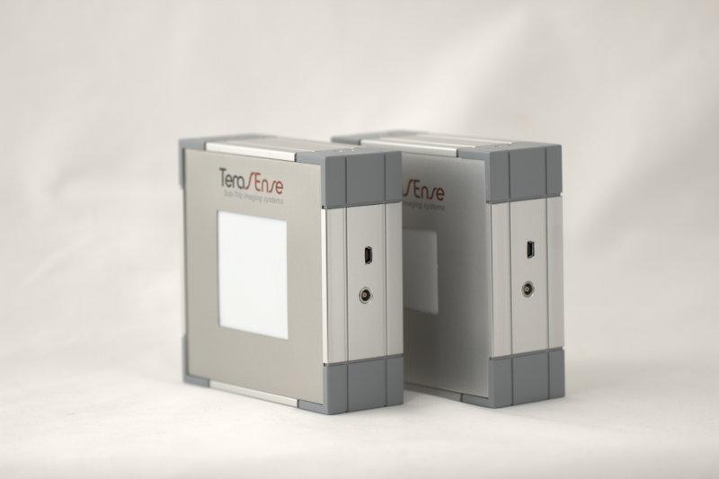 Tera-1024 (32x32) THz imaging camera