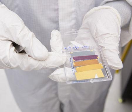 ultrathin coatings that shine in vivid colors