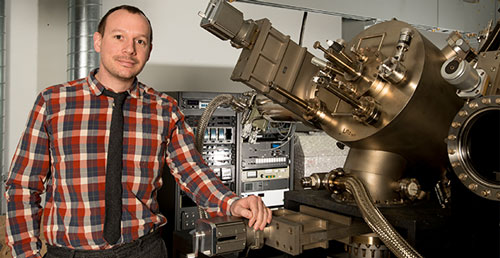 Paul Simmonds at his molecular beam epitaxy (MBE) system