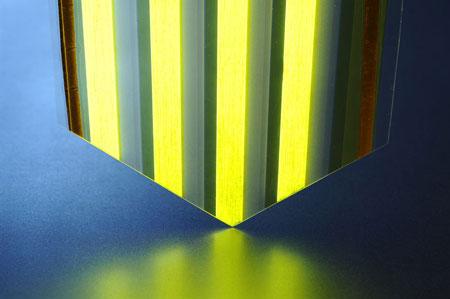 A large-surface light-emitting plastic film