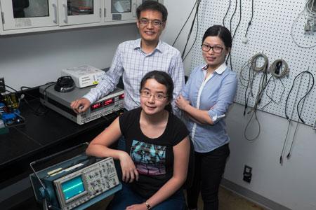 Rice researchers Man-Nung Su, Wei-Shun Chang and Fangfang Wen