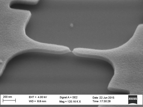 New Method For Producing Tiny Cracks In Electrodes May Mean Big Boost For Nanoelectronics