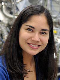 Argonne scientist Tiffany Santos