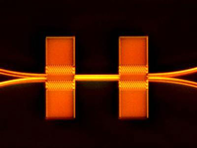 Tang's team shows how interacting lightwaves can be used to control devices on a silicon chip