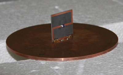 This Z antenna tested at the National Institute of Standards and Technology is smaller than a standard antenna with comparable properties