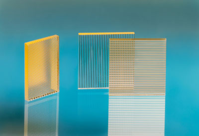 Micro-optical elements bundle and homogenize the light