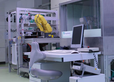 Robots will take on a range of tedious tasks in the biotechnology laboratory of the future, such as in the multiplication of cell cultures.