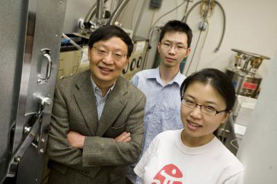 Rice physicist Rui-Rui Du, graduate students Chi Zhang and Yanhua Dai, and former postdoctoral researcher Tauno Knuuttila