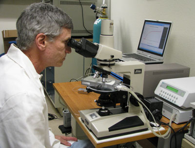 LC-Vision founder and CEO, Dr Michael Wand, using the Linkam LTS350 temperature stage to characterize liquid crystals