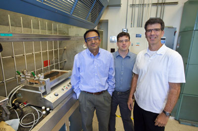 Venkat Srinivasan, Adam Weber and Vince Battaglia will develop a flow battery for the electric grid