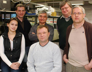 Members of the scientific team: Yana Izdebskaya, Anton Desyatnikov, Vladlen Shvedov, Andrei Rode, Yuri Kivshar and Wieslaw Krolikowski.