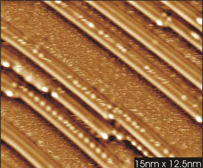 Scanning tunnelling microscopy image of oxidised Ni-Rh-nanowires