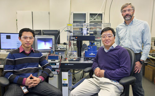 Debin Wang, Sungwook Chung and James DeYoreo at Berkeley Lab's Molecular Foundry