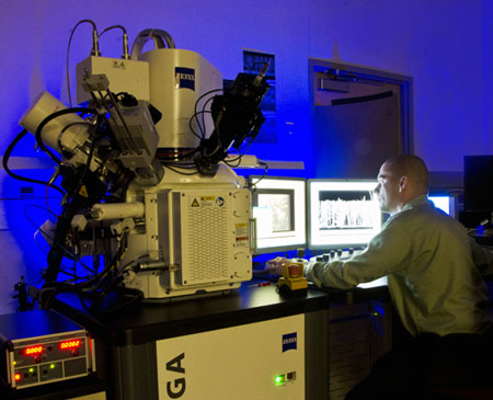 Aric Sanders demonstrates imaging options on the FIB/SEM instrument