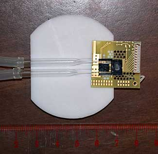 Prototype microchip device combining a atomic magnetometer with a fluid channel