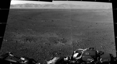 full-resolution photos from Curiosity's navigation camera, stitched together
