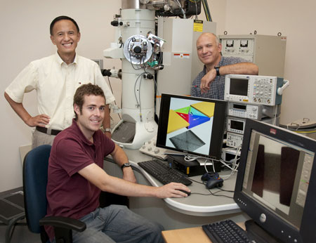 Physicists Yimei Zhu (back left), Shawn Pollard (seated), and Dario Arena