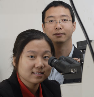 Dr. Jie Gao (foreground) and Dr. Xiaodong Yang, both assistant professors of mechanical engineering at Missouri University of Science and Technology