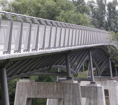 The Gärtnerplatzbrücke across the Fulda in Kassel River